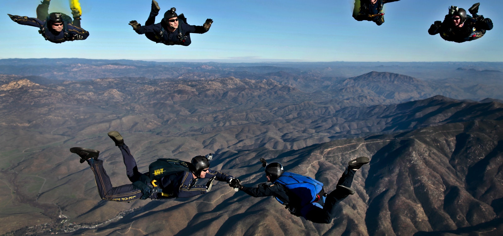 4 Reasons That You Should Go Skydiving Today